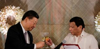 China's President Xi Jinping and Philippine President Rodrigo Duterte toast during a State Banquet at the Malacañang in Manila on Nov. 20, 2018. REUTERS