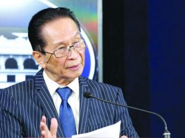 Presidential Spokesman Salvador Panelo defends President Rodrigo Duterte anew over the latter's remark that the Chinese fishermen are allowed to fish in Philippine waters since the two countries are friends. PCOO