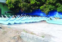 The Bureau of Fisheries and Aquatic Resources in Western Visayas gives away 900 fiberglass boats with engines to fisherfolk in Antique. Provincial senior aquaculturist Alletth Gayatin said Friday that only 200 of the 900 fiberglass boats have been delivered to their recipients. PNA