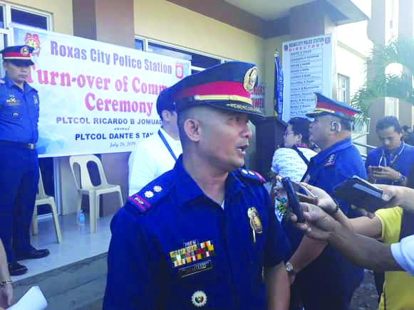 Lieutenant Colonel Ricardo Jomuad Jr. is the new Roxas City police station chief. Jomuad is succeeding Lieutenant Colonel Dante Tayco who is set to undergo schooling. GLENN BEUP/PN