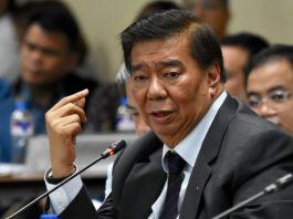 """""""Dinagdag lang 'yung 53 projects so that there can be some cosmetic and so they can say that things are moving,"""" says Minority House Leader Sen. Franklin Drilon. FILE PHOTO"""