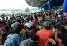 SIDELINED SIDEWALK VENDORS. Facing imminent displacement, hundreds of sidewalk vendors hold a meeting at the Iloilo City Freedom Grandstand. The city's roads and sidewalks are being cleared of obstructions. Will they hold a protest rally? They have until this Sunday, Sept. 15, 2019, to leave their area. IAN PAUL CORDERO/PN