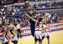Meralco Bolts' Allen Durham split the San Miguel Beermen's defense for a layup. PBA PHOTO