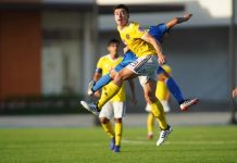 Kaya Futbol Club-Iloilo's Connor Tacagni fights for a looseball. KAYA ILOILO PHOTO