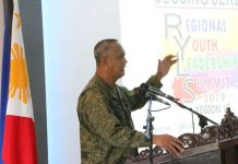 3rd Infantry Division commander Major General Dinoh Dolina speaks during the 2nd Regional Youth Leadership Summit in Jamindan, Capiz. PIA