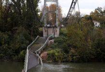 A bridge near the village of Mirepoix-sur-Tarn in France collapsed on Monday. EPA