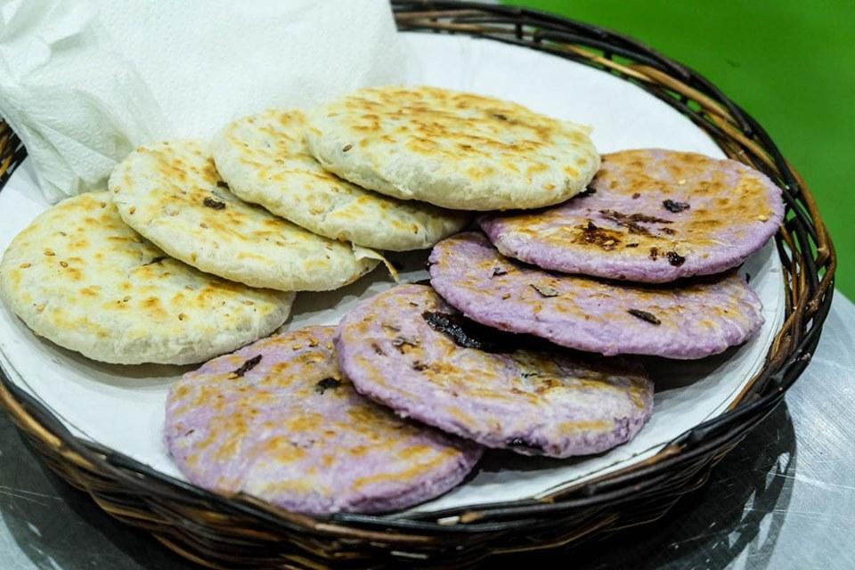 Piaya is Bacolod's number one treat – a flaky muscovado-filled flatbread. GLEN SANTILLAN/ESCAPE MANILA BLOG