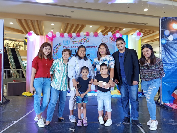 """The awarding of winners for """"Best Presentation of Nation"""" headed by teacher Grace Concepcion, together with the faculty and staff of Paul Learning Center and parents of the students."""