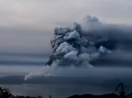 A view of Taal Volcano from Tagaytay, Batangas as it spew thick clouds of ash on January 13, 2020. Photo by Alecs Ongcal/Rappler